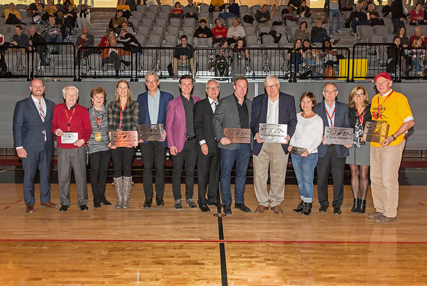 All donors to GGAC holding plaques
